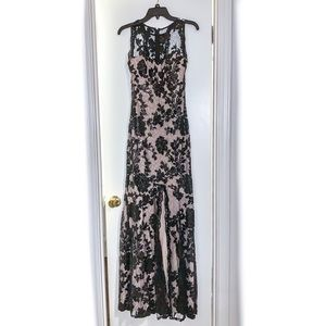 WINSOR BLACK SEQUIN LACE DRESS